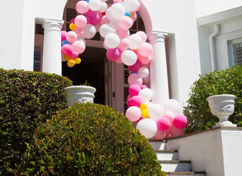 Fun: A Balloon Arch
