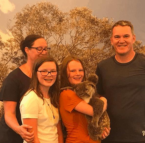 Photo of the Week – Cuddling Koalas