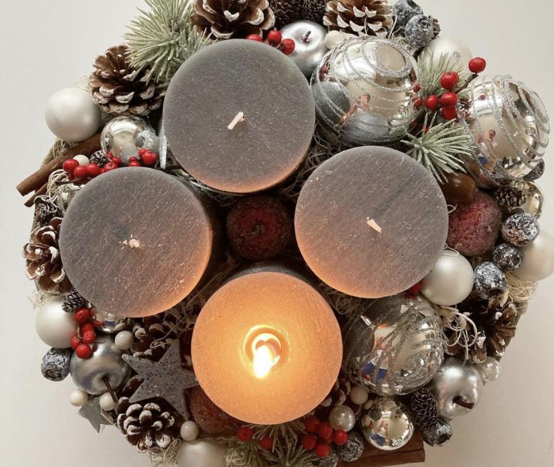 Friday Flowers – Christmas Advent Wreath